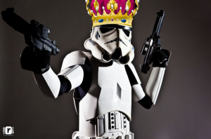 Silly stormtrooper, crowns are for meee!
