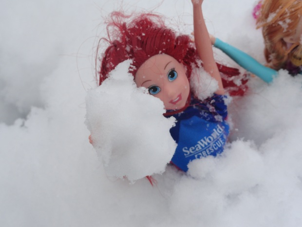 Yay, snowball fight!