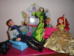 Elinor: Get away from my daughter!  I can be a reaaaal mother bear! Merida: Muuum, yer embarrasing meee! Hans: Security!